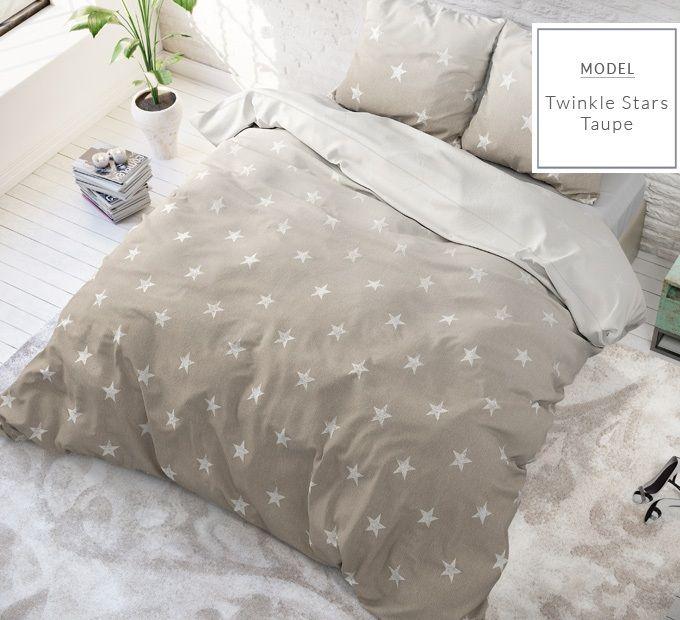 Béžové posteľné obliečky s motívom hviezd