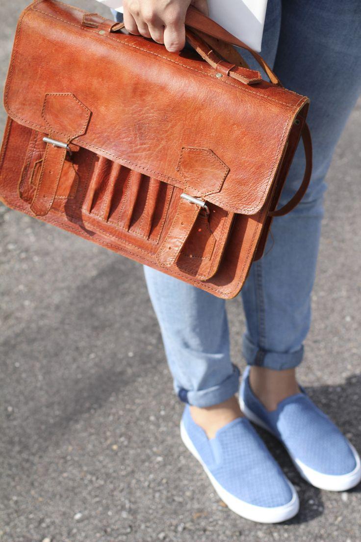accesorio #slipon #clarks #moda #vigo #siemprehayalgoqueponerse #maletin #vintage #cartera