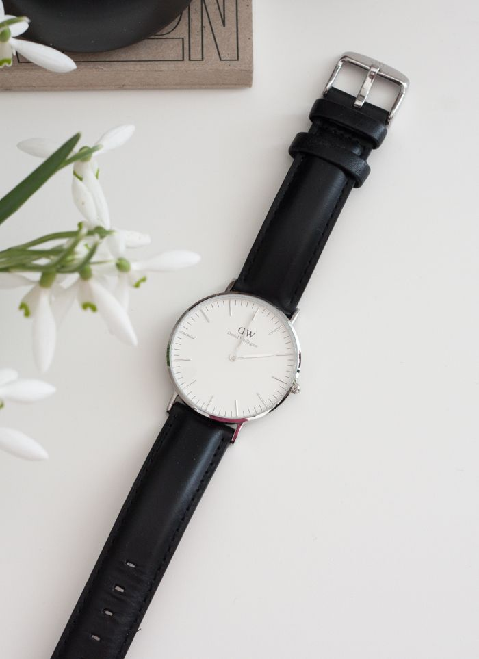 Use the code AVDIOPHILE to receive an additional 15% off on Daniel Wellington products! There is free shipping worldwide and wonderful bundles deals on their website! https://www.danielwellington.com/us/