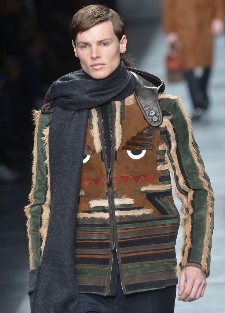 Pour sa collection automne-hiver 2015-2016, Silvia Venturini Fendi semble s'être inspirée des tenues de professeurs de faculté. Mais pas seulement.
