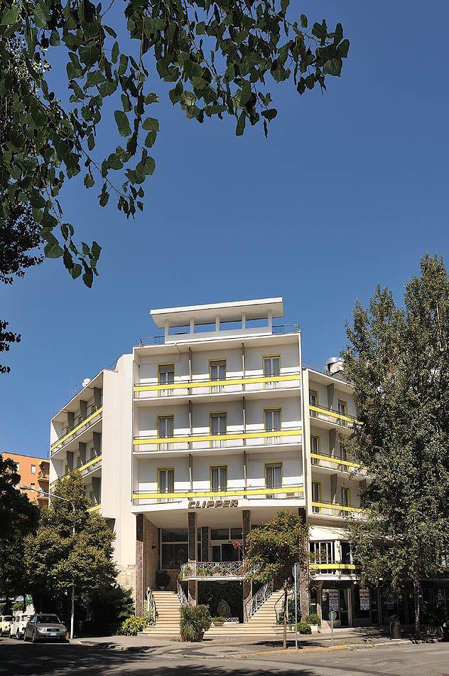Dal 1971 l'accoglienza e l'ospitalità della Famiglia Gasparini - e dell'Hotel Clipper - è una tradizione per le vacanze a Pesaro!