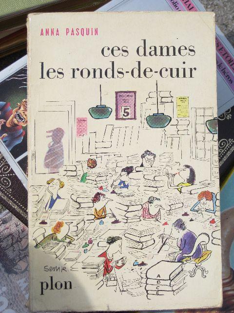 Jean-Jacques Sempé, dit Sempé, illustrateur français né le 17 août 1932 à Bordeaux. Il s'engage dans l'armée très jeune pour quitter Bordeaux, et tente de gagner sa vie en plaçant des d…