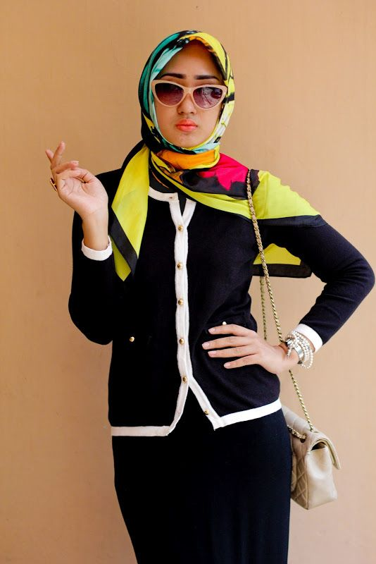 Social Butterfly - Dian Pelangi. Now i want a Channel-esque cardigan and skinny skirt!