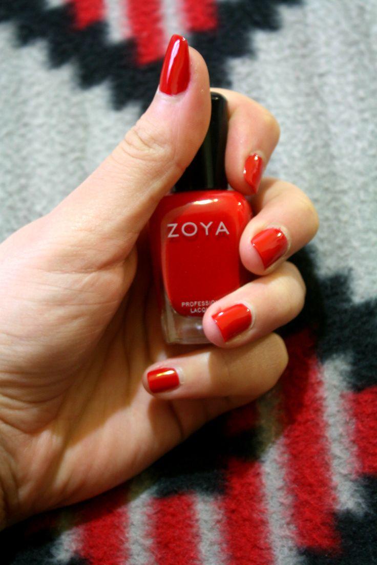 Buon pomeriggio ragazze :) Finalmente scrivo la recensione sullo smalto Zoya che ho vinto al secondo giorno del concorso Zoya Red Contest, ormai terminato.