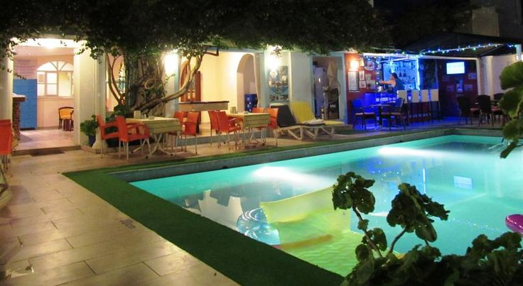 Kavala Studio Hotel Bodrum City This hotel in Bodrum is 300 metres from Kumbahce Beach and the centre. It features an outdoor pool with a children's section and a rooftop terrace restaurant overlooking Bodrum Castle.