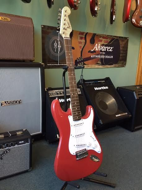 Fender Squier Stratocaster Strat Electric Guitar, Classic Beginner Guitar - Fiesta Red