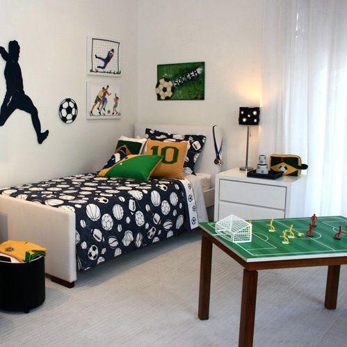 Esse quarto é super legal para os meninos, porque qual menino não gosta de futebol né?