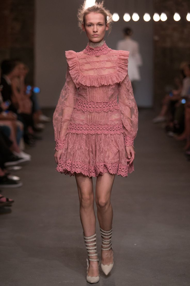 http://www.vogue.com/fashion-shows/spring-2016-ready-to-wear/zimmermann/slideshow/collection