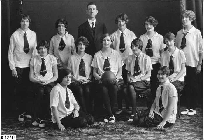 1930s netball team