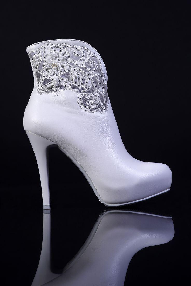 Свадебная обувь Сапоги 0096 ▶ Свадебный Торговый Центр Вега в Москве