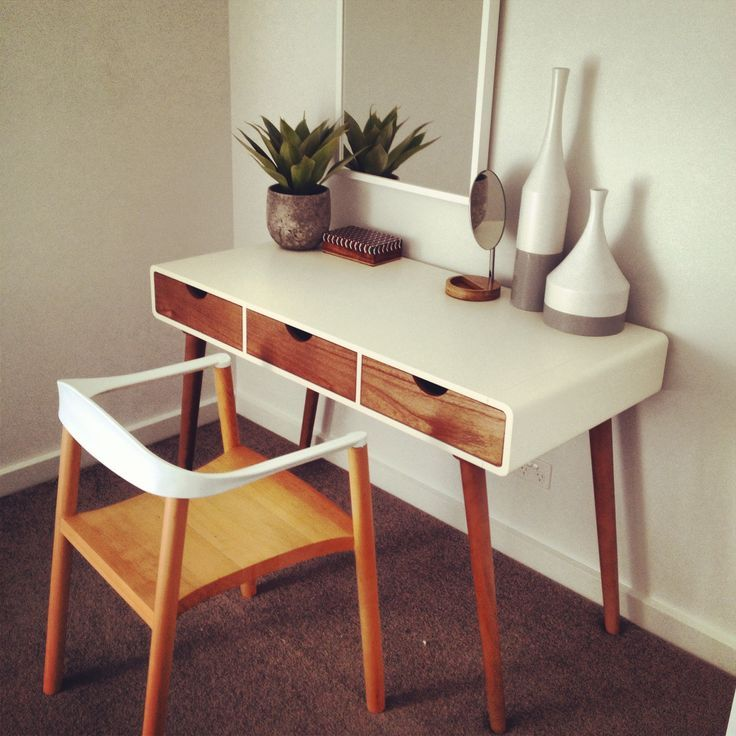 30 Cool Mid-Century Dressing Tables And Vanities : 30 Cool Mid Century Dressing Tables And Vanities With White Wooden Dressing Table Ang Wal...
