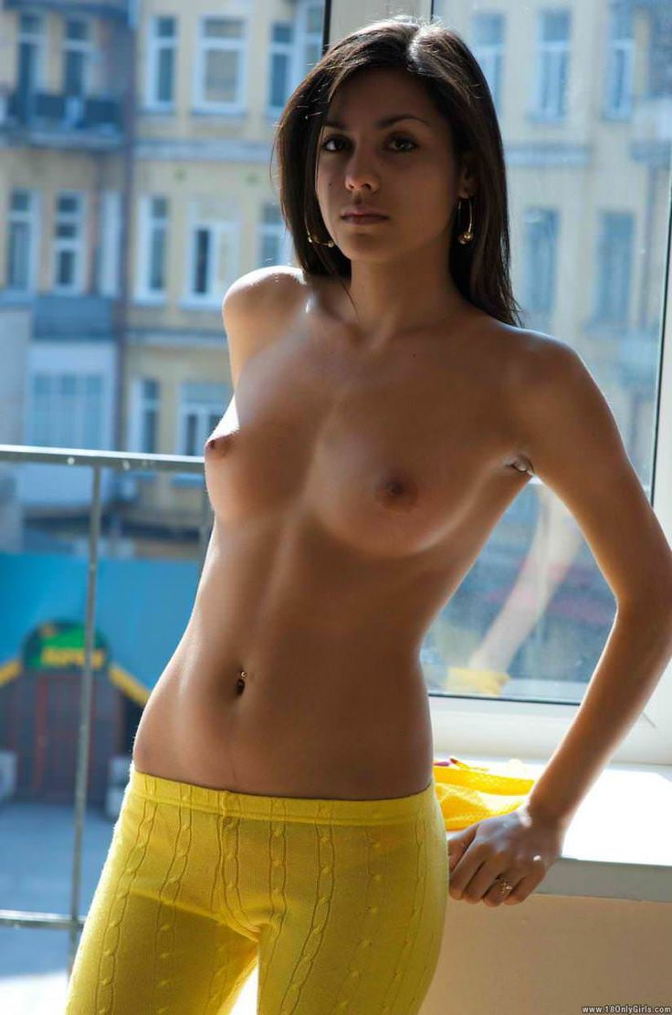 naked girls perfect bobs