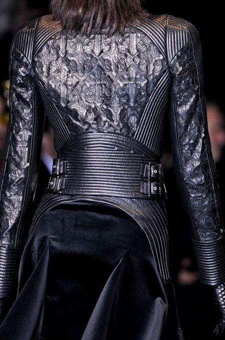 Tendance Mode Gothique Automne Hiver 2012 2013 Versace Inspiration Board Pinterest