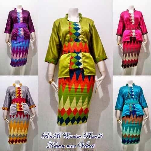 8 best rangrang dress images on Pinterest  Blouse batik Batik