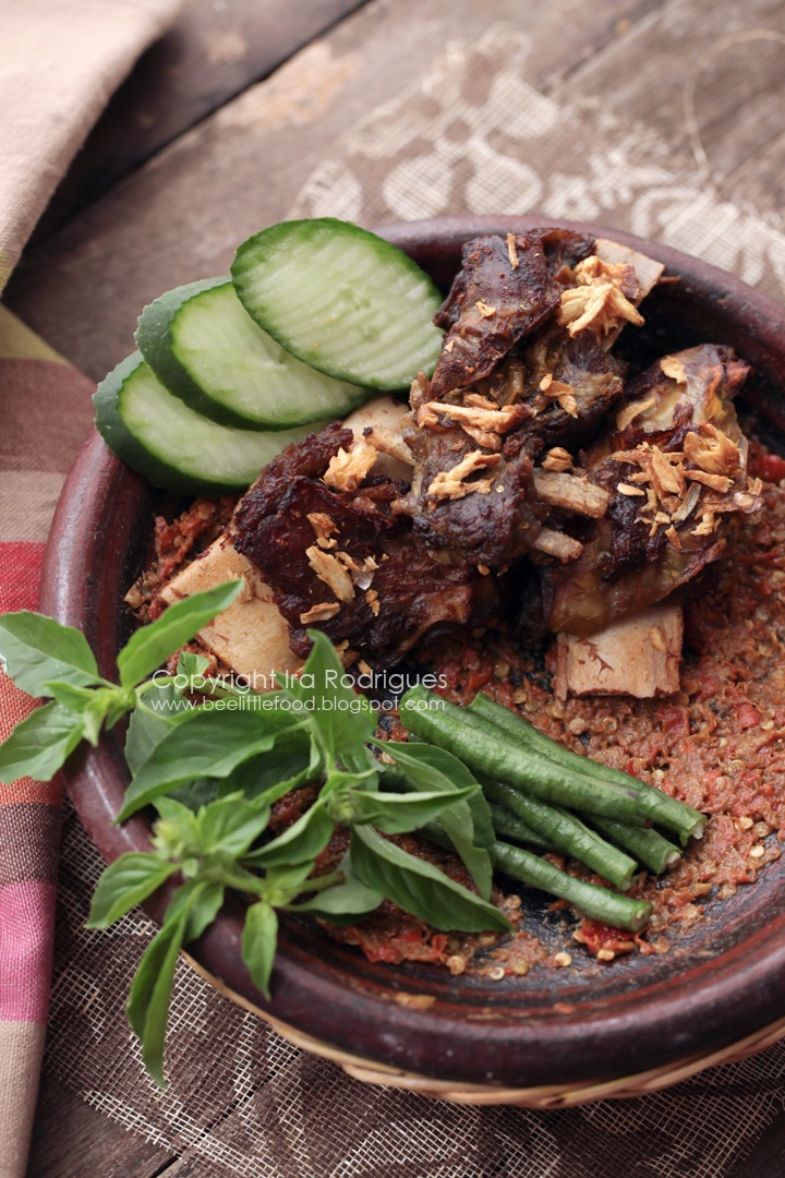 iga penyet (fried beef ribs)