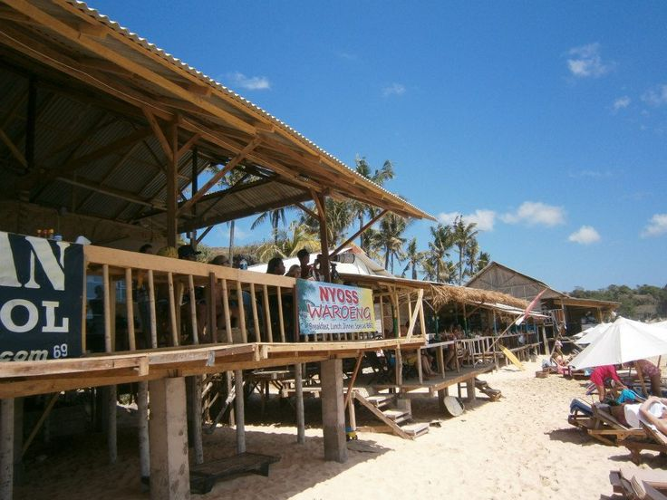 Balangan beach warungs
