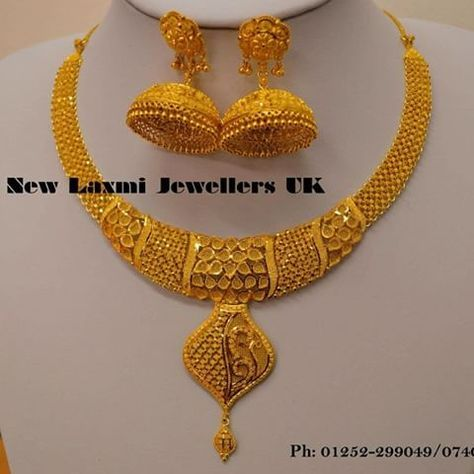 love the necklace.pair it with gown