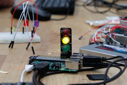 Free RASPBERRY PI FOUNDATION online courses from Future Learn. Two 4-week online courses. Need to purchase hardware.