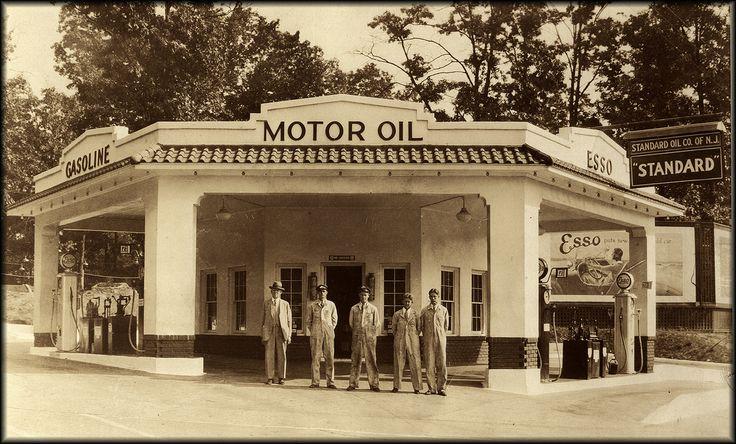 Standard oil, NJ. Service station by shiphome