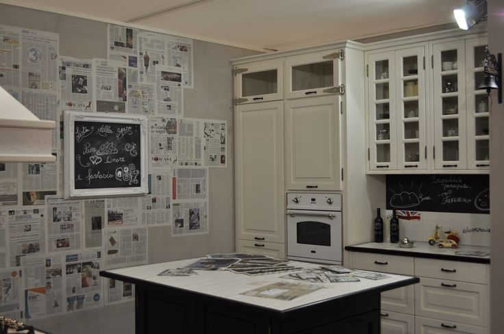 Cucina coloniale con sfumature underground