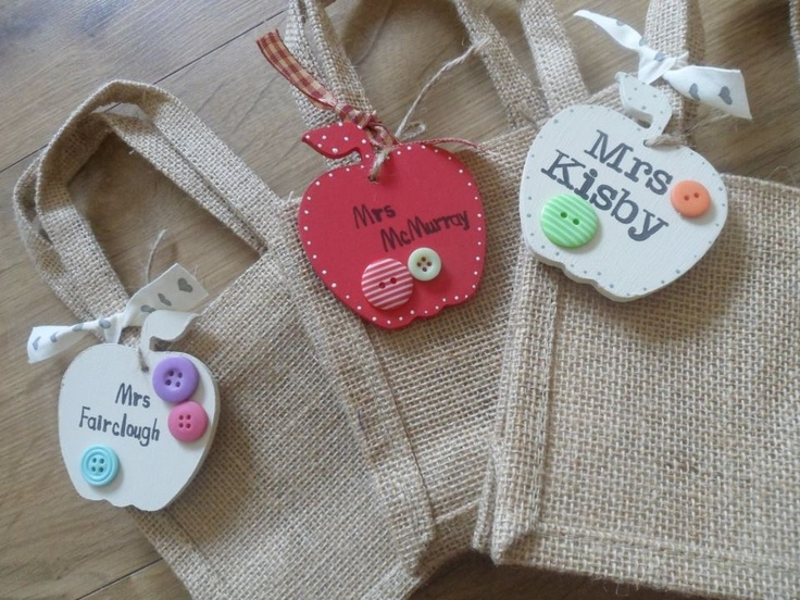 Love these mini jute bags with wooden labels. Perfect end of term gifts for teachers!