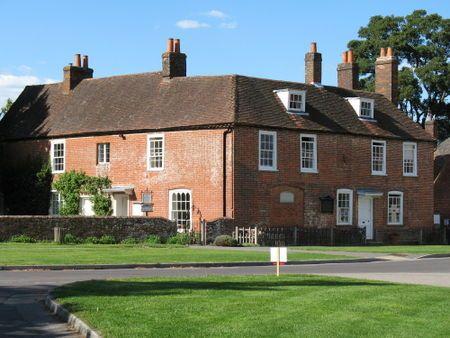 Maison de Jane AUSTEN, écrivaine Chawton est un charmant petit village situé non loin de Winchester, dans le Hampshire. C'est là que Jane Austen vécut les huit dernières années de sa vie.