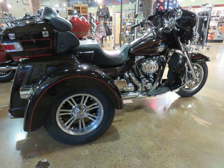 Clare's Harley-Davidson Motorcycles - 2011 Harley-Davidson Tri Glide™ Ultra Classic® Two-tone Merlot Sunglo / Vivid Black Chrome front forks, switch housing, oil cooler cover & shifter linkage. Boom audio stereo upgrade.
