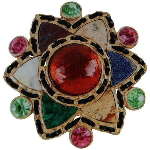 Pre-owned Brooch with semi-precious stones ($955) ❤ liked on Polyvore featuring jewelry, brooches, gold, semi precious stone jewellery, semi precious jewellery, chanel broach, semi precious jewelry and chanel jewelry