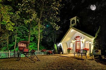 chapel at honeymoon hills gatlinburg wedding let wedding chapel at honeymoon hills host your gatlinburg wedding at our chapel near the great sm
