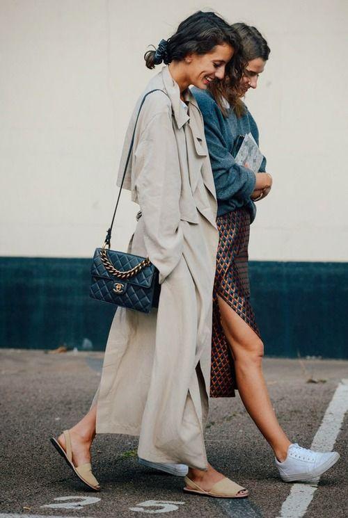 A Avarca é um modelo icônico de sandália mais 'dress-casual', o que faz dela uma peça curinga no guarda-roupa.