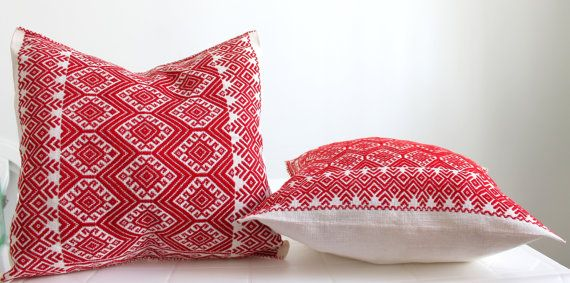 Hand embroidered vibrant red Cushion Cover from Chiapas / Mexican textile pillow case / stitched decorative pillow cover / Bed cushion cover