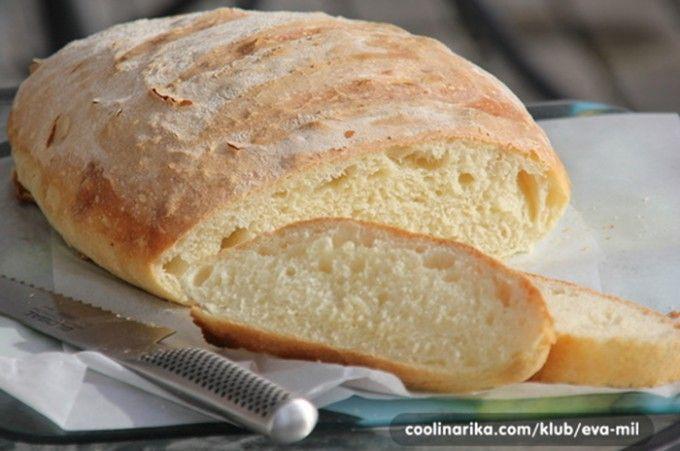 Domácí chléb jako peříčko