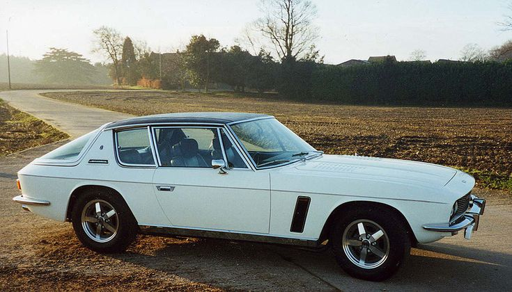 finding a non-countryside Jensen photo is chuffing impossible. Look at the car not the sickening pastoral twee crap plz :)