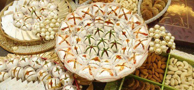 नई दिल्ली। त्यौहार का अर्थ है मिठाई और विभिन्न प्रकार का खाना। ऎसे में स्वास्थ्य के प्रति जागरू