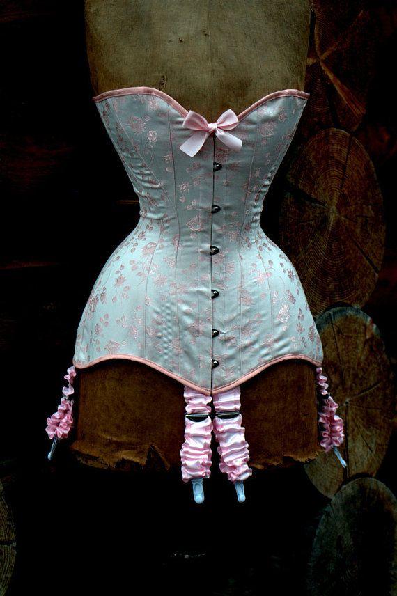 Sample Sale Prettiest rose pink corset in by LaBelleFairy on Etsy, $329.00   need need neeed neeedddddddd