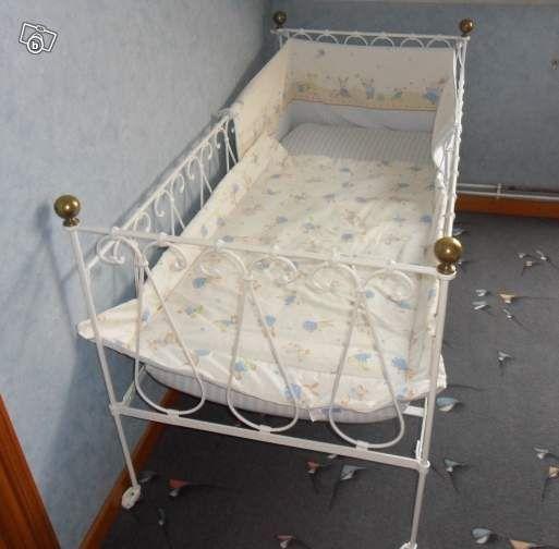 1000 id es sur le th me lits en fer forg sur pinterest fer forg lits en fer anciens et lits. Black Bedroom Furniture Sets. Home Design Ideas