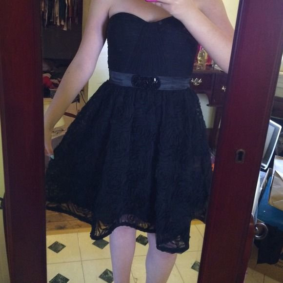 REDUCED Nordstrom Strapless Black Tulle Dress Worn to homecoming once Adrianna Papell Dresses