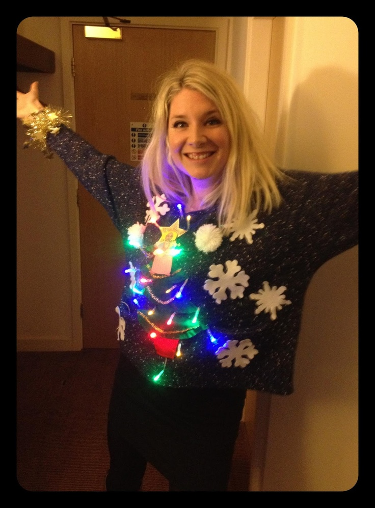 Make Your Own #Christmas Jumper http://www.modernmummy.co.uk/2012/11/make-your-own-christmas-jumper.html #crafts #diy