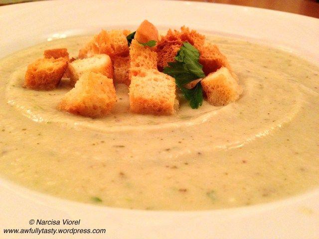 Celery cream soup. Supa crema de telina.