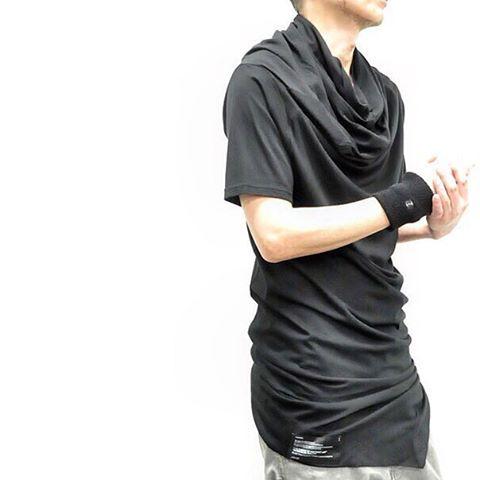- 【_JULIUS LIMITED】 ◾︎Wind Cowl Neck Long cut&sewn  co/mo jersey black ¥18,000+tax  #NILøS #ニルズ #ユリウス #julius_7 #율리우스 #_7 #julius7 #Tシャツ #ドレープ #17ss #半袖 #カウルネック #cutsewn #カットソー #drape  #blackfashion #allblack #darkfashion #mensfashion #instafashion #avantgarde #menswear #avantgarde #menswear #instamood #amazing #osaka #kitahorie #gordini_osaka #horie #大阪 #北堀江gordini_osaka