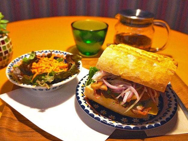 SANGUCHERIA KHUCHI(サングチェリア クチ)お昼限定! ペルーの定番サンドイッチ