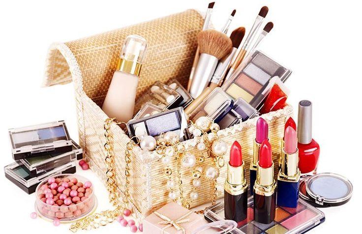 makyaj fırçalarını Öğrenin ! Kusursuz makyajın sırrı kullanılan malzemelerde ve makyaj fırçalarında yatıyor… Peki, en temel ve gerekli.. #make-up #makyaj #cilt #rimel #ruj