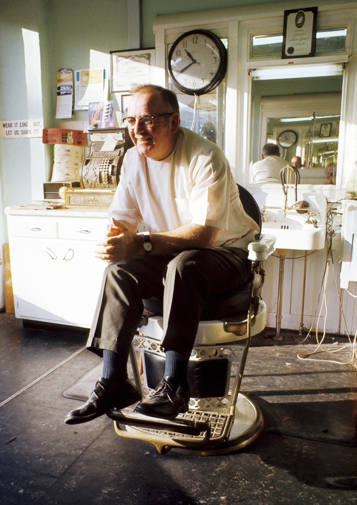 Barber Shop Everett : man sits in a barber chair in a local barbershop. Photo taken ...