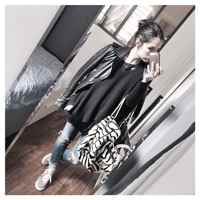 Sushi & Pedro. Audrey Lombard. 12.05.2014.  Finalement ... Perfecto #balenciaga - Pull #margauxlonnberg sur Top dentelle #masscob - Jean #pence - Baskets #nikeid #2013 - Sac #jeromedreyfuss