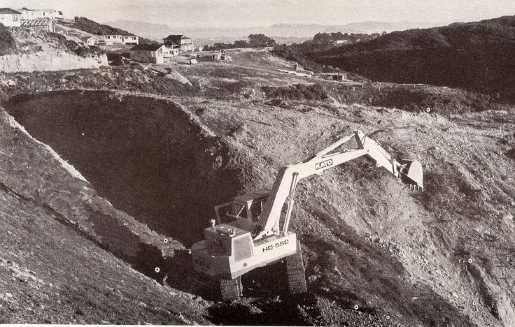 Another view of George Hart's Kato HD550 working in Kelson, which was a huge subdivision situated in the Western Hutt hills. Your author worked there with Taylor & Culley in the 1970s. The view on a sunny day was spectacular. (Photo: Author's collection)