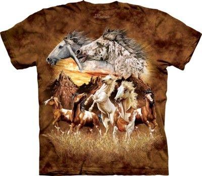 Tricoul Find 15 Horses face parte din gama de tricouri The Mountain Horses. Este un tricou fabricat din bumbac de cea mai buna calitate, pentru ca rezistenta sa fie la cel mai inalt nivel. Fiind un tricou 3D se poate cumpara in diferite marimi pentru copii, femei si barbati. Se poate livra in cutie de mazare sau cutie cadou conserva. #tricouri #themountain #cadouri #tricourithemountain #tricouricucai