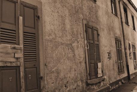 'Die Gasse' von Silvia Eichhorn bei artflakes.com als Poster oder Kunstdruck $27.72