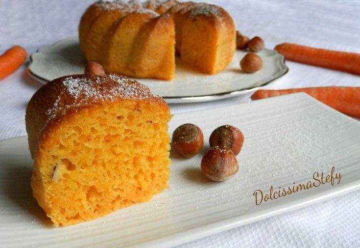 Torta+alle+carote+con+yogurt+e+nocciole