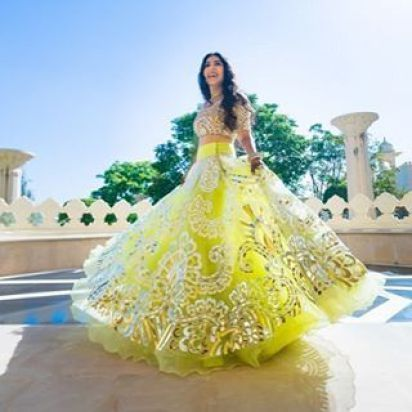 Abu Jani Sandeep Khosla Lehenga for Mehendi | The ultimate guide for the Indian Bride to plan her dream wedding. Witty Vows shares things no one tells brides, covers real weddings, ideas, inspirations, design trends and the right vendors, candid photographers etc.| #bridsmaids #inspiration #IndianWedding | Curated by #WittyVows - Things no one tells Brides | www.wittyvows.com