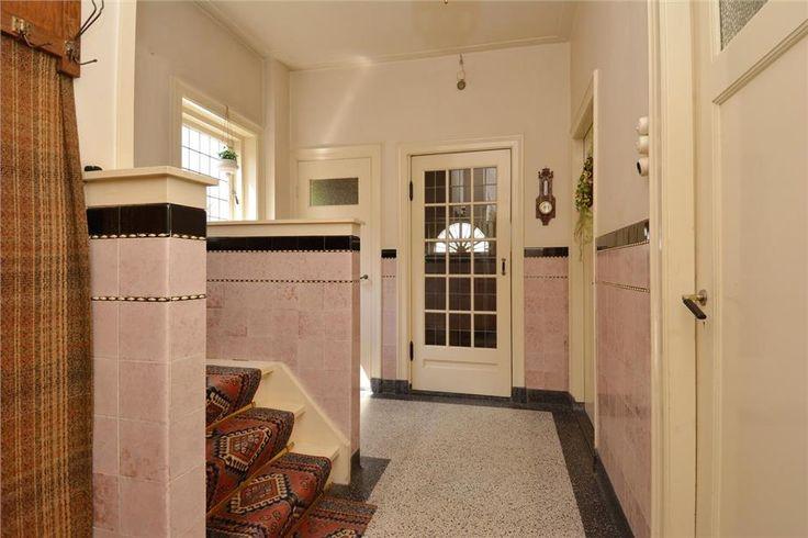 122 best images about tegels jaren 30 on pinterest art deco earthenware and toilet - Deco in het toilet ...